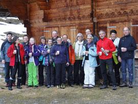 Verein auf Winterwanderung Habkern-Traubachalp