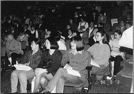 観客席も笑いが一杯。大連市青少年宮