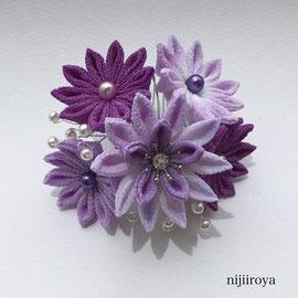 つまみ細工 紫の髪飾り2