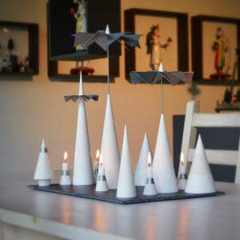 Minimal Art Lichtspiele moderne Pyramide Weihnachtspyramide Kegelpyramide Kegel Licht Spiele zeitgemäß puristisch handwerk moderne Pyramide Räuchermann Erzgebirge Volkskunst