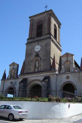 église à préaux pavé de dalles funéraires