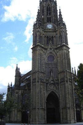 catedral del Buen Pastor (1897). Style néogothique, sa tour culmine à 75 m.