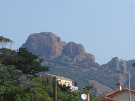 l'Esterel culmine à 618m au Mont Vinaigre