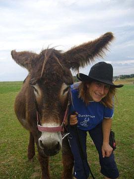 Marianne Kreuzer - Donkey Manikürist