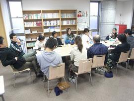 ◆川柳会を開催している青空クラスのメンバー。