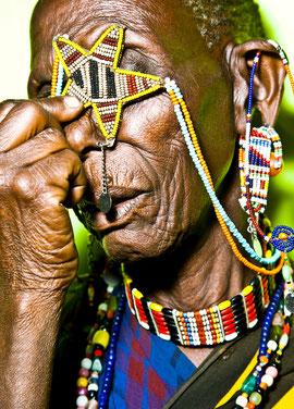 マサイ族 婦人