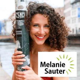 Ernährungscoach IHK zertifiziert und Yoga Lehrerin mehr Informationen über Melanie Sauter erfahren Sie unter www.melaniesauter.com