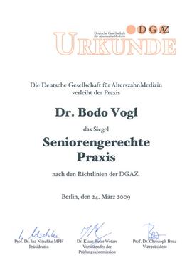 Urkunde seniorengerechte Praxis Dres. Vogl Vellmar