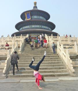 Neele in Peking, vor dem Himmelstempel, Mai 2014.