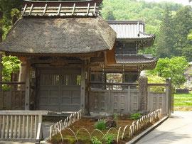 林泉寺惣門、山門です。