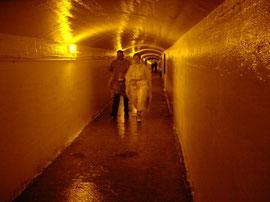Tunnelsystem für die Reise hinter die Wasserfälle