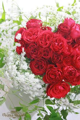 赤い薔薇とホワイトレースのハートの花束(2)