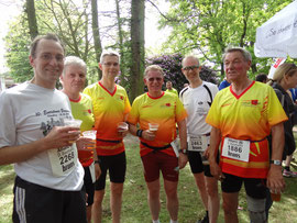 Insgesamt 524 Läufer waren am Start des 10 km-Laufes, davon 12 Teilnehmer und 2 Teilnehmerinnen aus unserem Lauftreff.