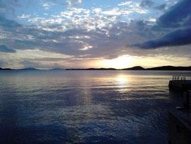 Sonnenuntergang im Fährhafen Igoumenitsa