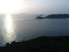 Schicker Sonnenuntergang über den diapontischen Inseln