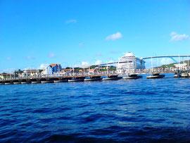 Königin Emma Brücke in Willemstad, Curacao