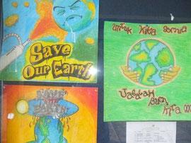 教室にかけられているたくさんのポスター