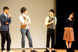 サンゴレンジャーの舞台あいさつで撮影を振り返る中前監督と青柳さん、田中さん、佐々木さん(左から)=2日夜、市民会館大ホール