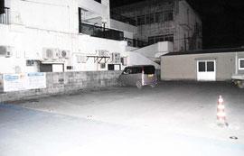 町役場石垣支所の建設予定地=8日夜