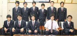 工事担任者試験に合格した生徒たち=7日午後、八重山商工高校