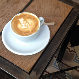 CHAPTER ONE. COFFEE BERLIN, klitzekleiner Coffeeshop mit bestem Kaffee! Berlin Kreuzberg, Nähe Marheineplatz