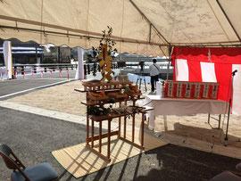 橋梁竣工祭の祭壇