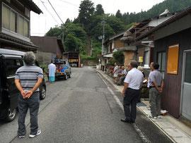 旧稲荷神社前での御旅所祭と還幸祭