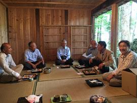 西成神社での直会
