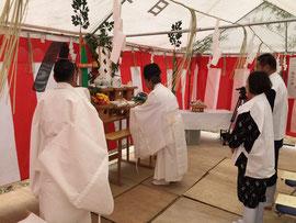抜穂祭 斎田奉仕者が抜穂した稲束を献供