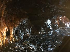 熊野水軍の舟隠し三段壁洞窟