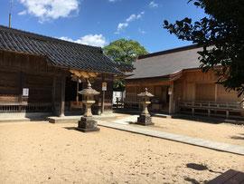 左、立虫神社・右、万九千社