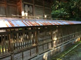赤錆びが発生した透塀屋根
