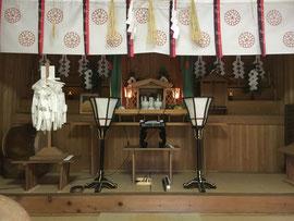 祖霊・護國の英霊を祀る彰徳殿