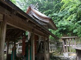 台風5号が迫る鬼神神社