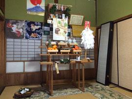 日待祭の祭壇