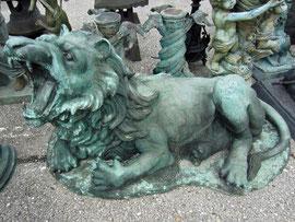 Löwe Figur Gartenfigur Statue Bronze