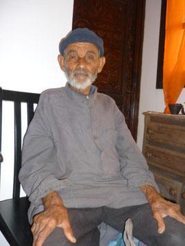 alter, pflegebedürftiger Mann
