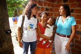 Gesundheitshelferin mit der Leiterin Ivonita Alves
