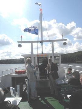 LiNa hisst die Halterner Stadflagge