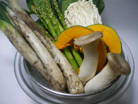 アツアツ鉄板料理肉巻き野菜焼き