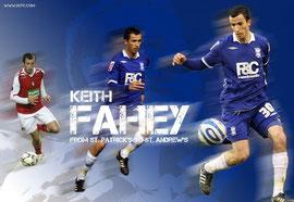 Drei Bilder von Keith Fahey in einem