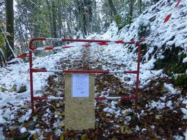 Une barrière est en place