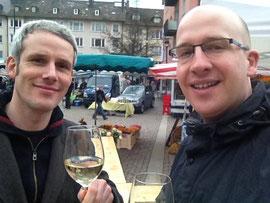 Freddy und Nicolas bei der Weinprobe