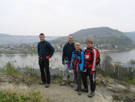 Am Einstieg des Klettersteigs vor der Rheinschleife