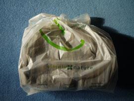 Cordhose verpackt in einem Biobeutel