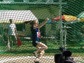 Ann-Kathrin Pennekamp belegt mit 51,09 Metern einen sehr guten vierten Platz in der Altersklasse U18.