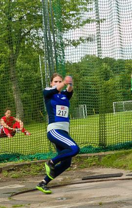 Maximiliane Langguth vom LAZ Rhede wirft den Hammer in Rostock 52,05 Meter weit und landet damit auf dem vierten Platz. (Archivfoto: Jan-Hendrik Ridder)