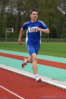 Erik Höpfner lief ein starkes 800-m-Rennen.