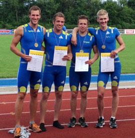 Matthias Gries, Kai Köllmann (Wesel), Philipp Scheer und Rik Derksen (v.l.) gewannen ihr drittes Edelmetall über 4x400 m bei Deutschen Meisterschaften.