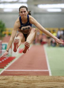 Klaudia Kaczmarek beherrschte in Bielefeld die Weitsprungkonkurrenz der Frauen